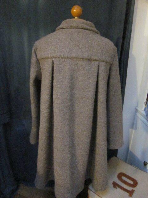 Manteau AGLAE en laine bouillie taupe chiné fermé par un noeud (7)