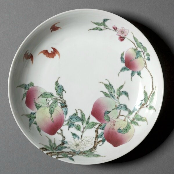 Dish with Bats and Peaches, China, Jiangxi province, Jingdezhen kilns, Qing dynasty, Yongzheng mark and period