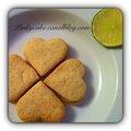 Sablés au citron vert garnis d'une crème de citron vert, sans gluten, sans lactose