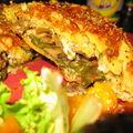 Feuilleté chèvre et champignons, salade aux abricots roussis
