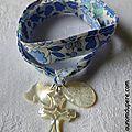 Bracelet de l'Annonciation (sur ruban d'Anjo bleu) colombe, Croix et médaille miraculeuse en nacre - 45 €