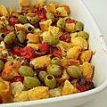 Rôtisserie de croûtons, tomates et olives vertes
