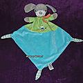 Doudou chien plat vert bleu mots d'enfants, chat brodé