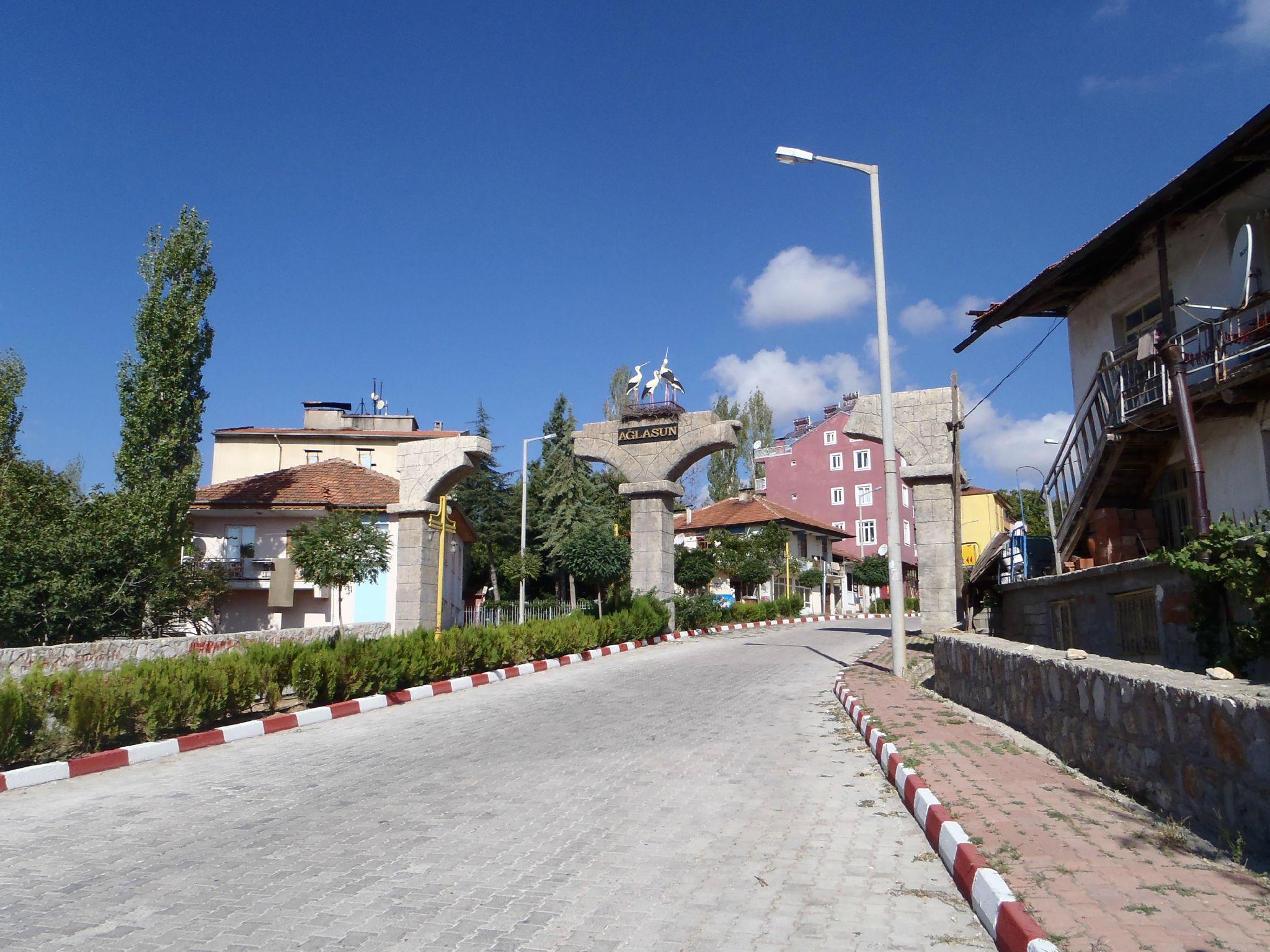 turquie entrée du village montant à sagalassos