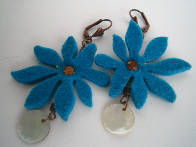 BO fleurs d'hiver bleues 7 €