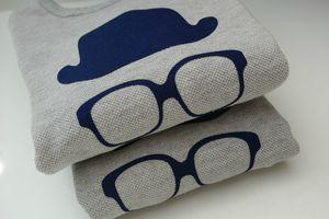 une petite fourmi - tee-shirt enfant moustache - 1