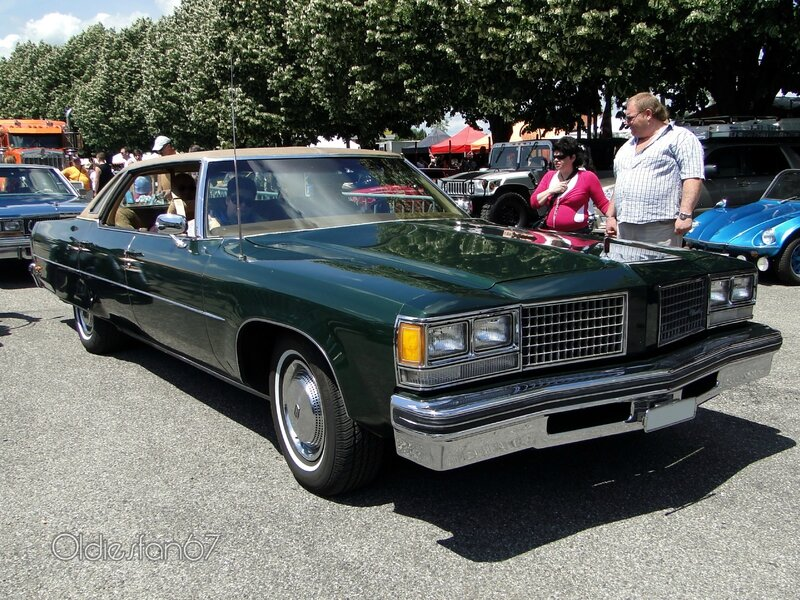 oldsmobile-98-regency-sedan-1976-a