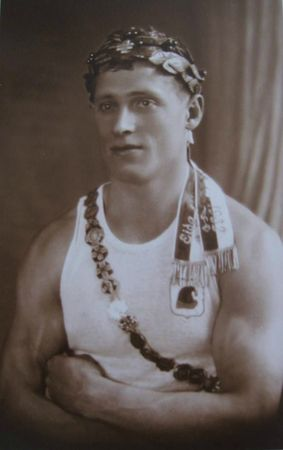 Armand WALTER R