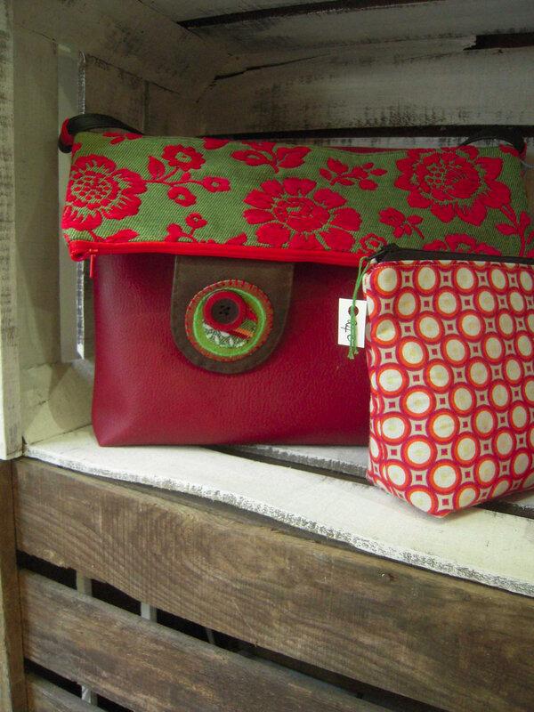 sac rouge ethnique