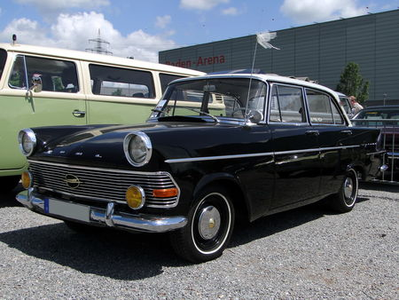 OPEL Rekord P2 Berline 4 portes 1960 1963 RegioMotoClassica 2010 1