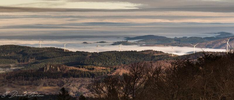 Panorama Rocher St Vincent et éoliennes chemin de la Ligue (03)