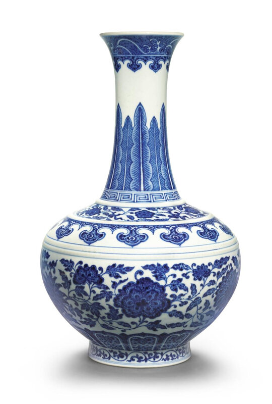 A fine blue and white bottle vase, Qianlong seal mark and period (1736-1795)