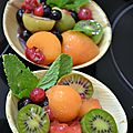 Desserts aux nergi, mousse au chocolat, panna cotta et salade de fruits