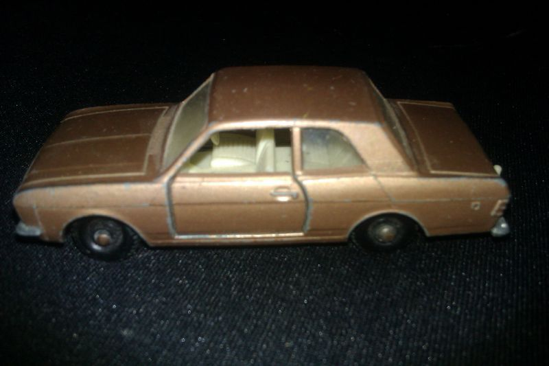 25d_Ford Cortina_01
