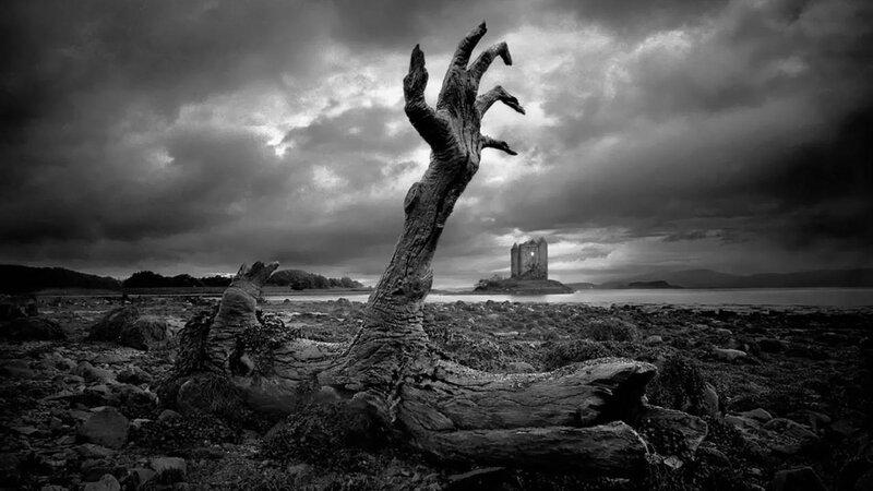 Ruin sky