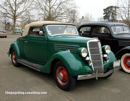 Ford V8 convertible de 1933 (Retrorencard avril 2013) 01