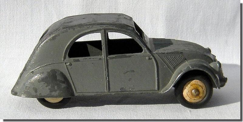 Dinky Toys 24T Citroën 2cv A 4