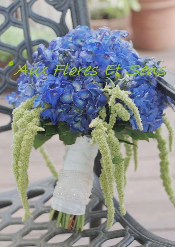 Bouquet de mariée rond avec Hortensia et Delphinium