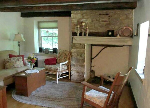 Olde-Creek-Cottage-in-PA-5