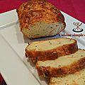 Cake au saumon fumé, roquefort et ciboulette