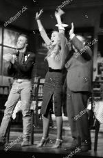 Jerry_Hall-1990-02-01-london-lyric_theatre-Bus_Stop-on_stage-1-2