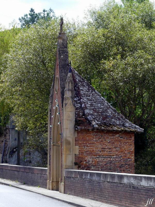 P1370896 chapelle de Notre-Dame de Bonne Garde