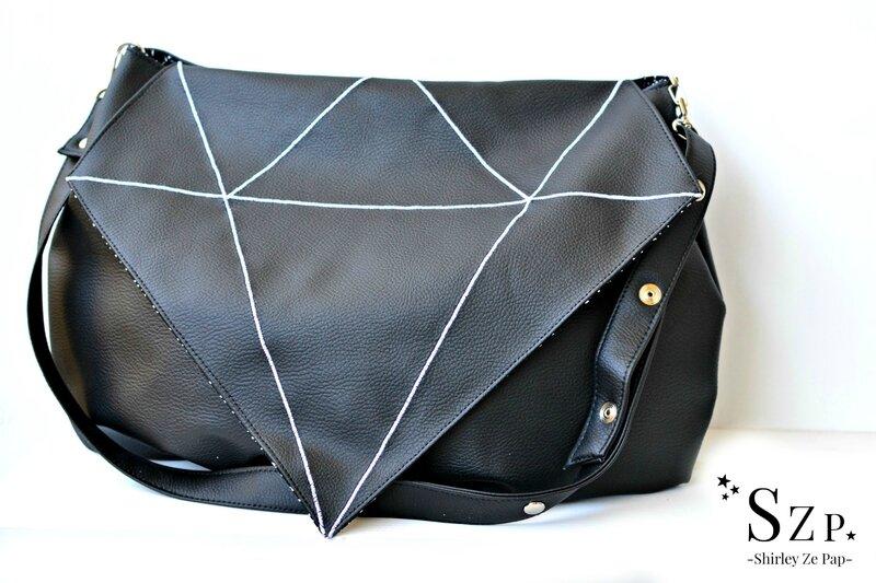 sac femme diamant noir, rabat diamant, simili cuir noir, poche diamant, bandouilière reglable, sac femme diamant noir
