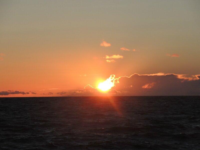 L) Zelenogradsk, coucher de soleil et nuages (Russie)