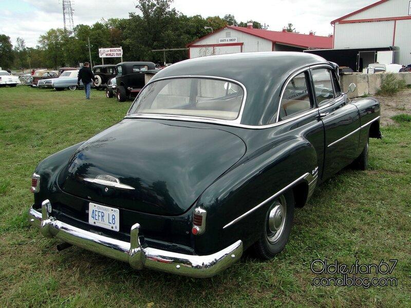 chevrolet-styleline-deluxe-2door-sedan-1952-4