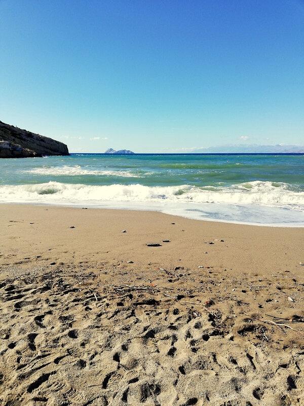 crete matala beach houle de crete