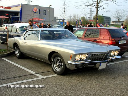 Buick riviera GS hardtop coupé DE 1972 (Rencard Burger king avril 2012) 00