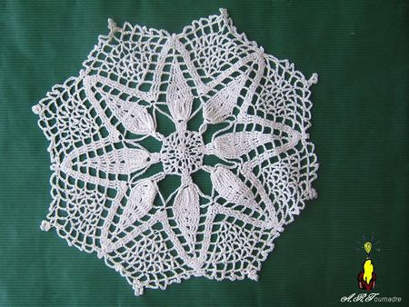 ART_2011_napperon_crochet__toile