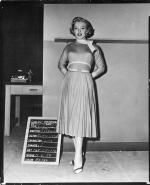 1952-03-MonkeyBusiness-test_costume-travilla-mm-030-1