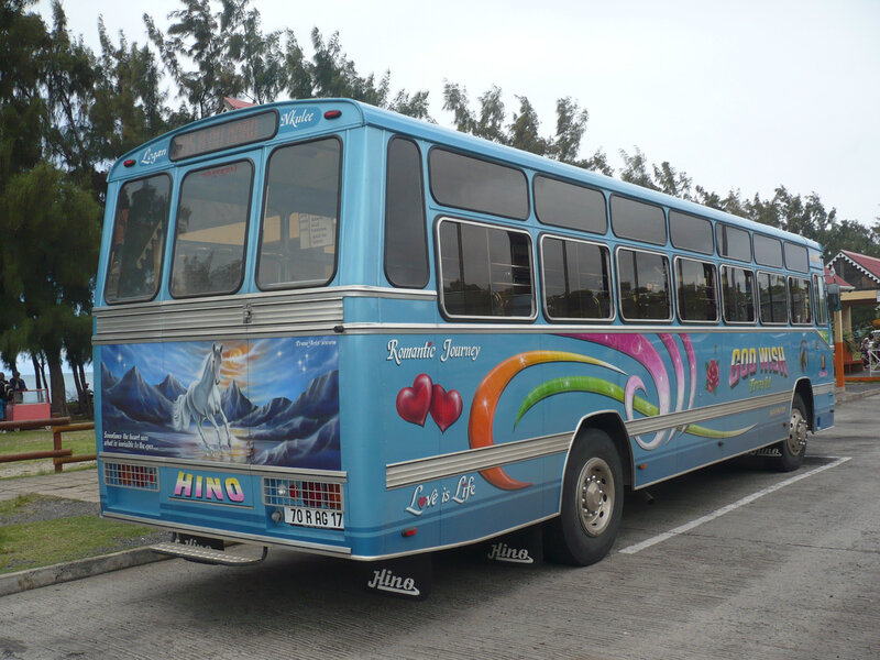 HINO autobus God Wish Travel Port Mathurin (2)