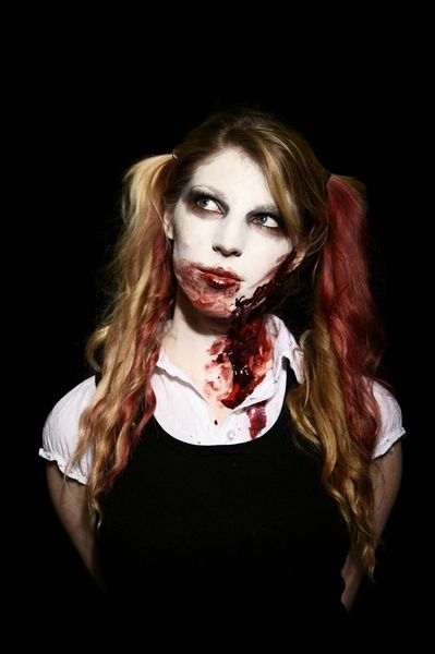 zombie_school_girl_2_by_sophie_mortimer