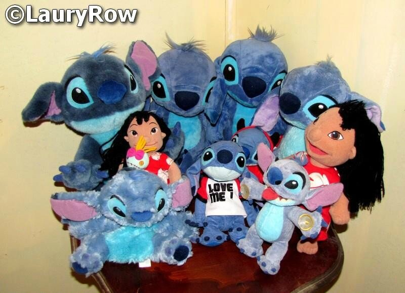 Mes (10) peluches Lilo & Stitch.