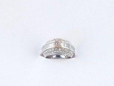 bague_jonc_en_or_blanc_pave_de_diamants_1310112594028127