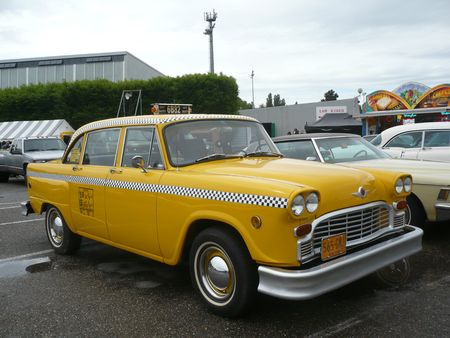 CHECKER Taxi Cab 4door Sedan Illzach (1)