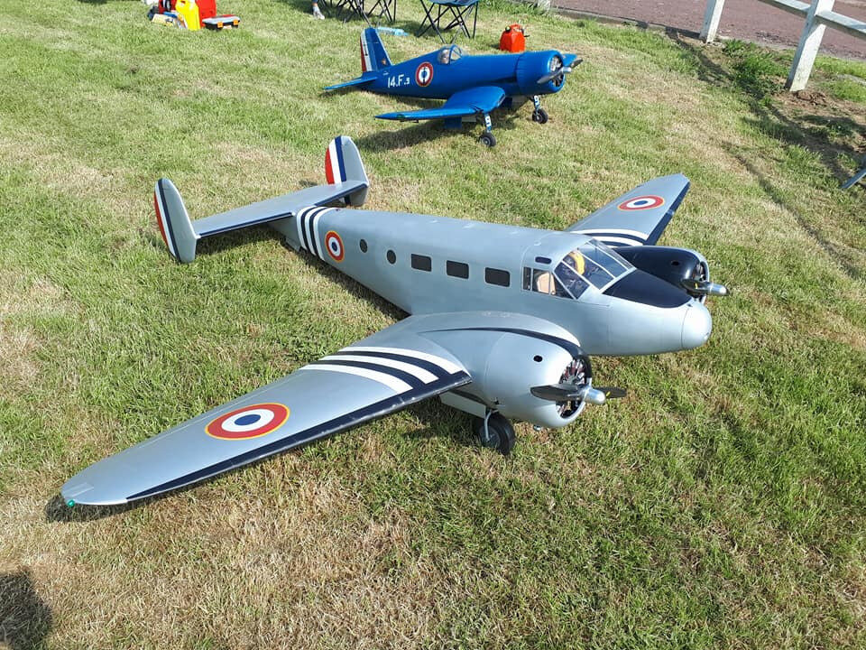 Vol du Beechcraft au Flying legend de Senlis