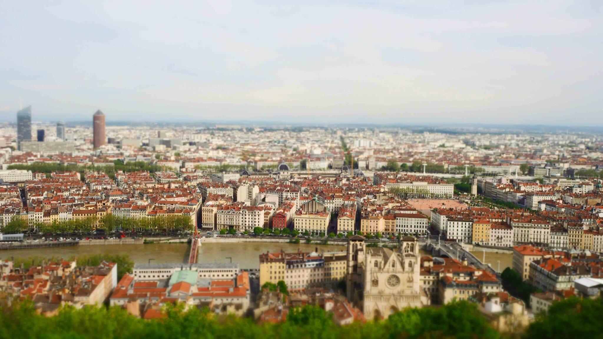 Happy 2CV : découvrir Lyon autrement