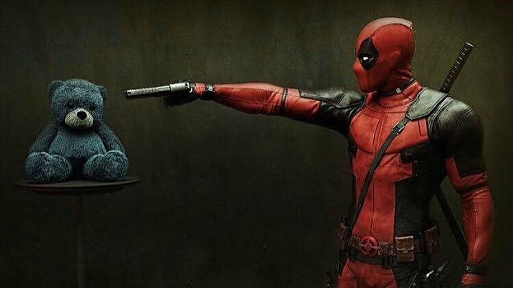 DEADPOOL-Image-diverse-2-movie-2016-Ryan-Reynolds-Go-with-the-Blog