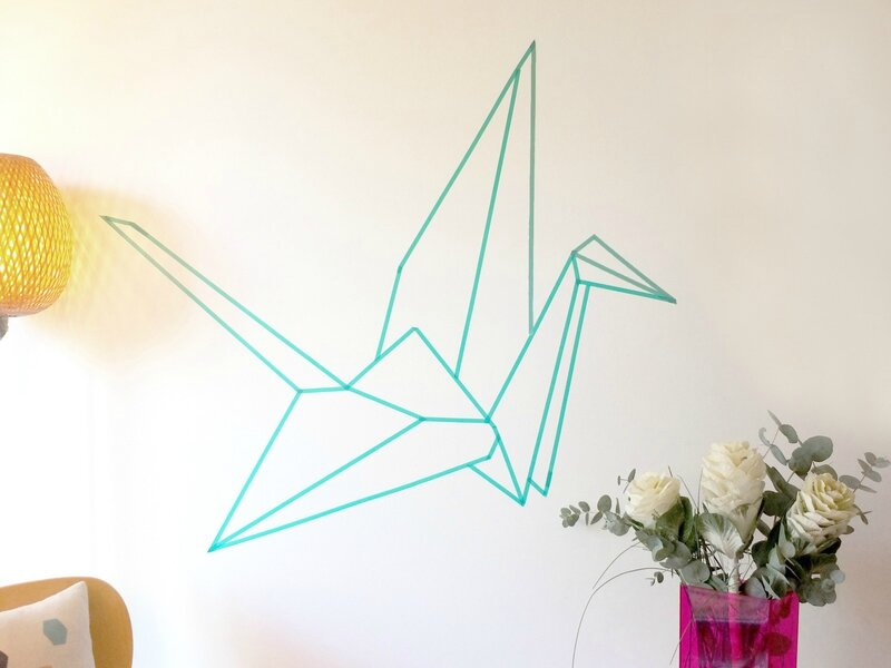 easy-DIY-wall-decor-origami-paper-crane-in-masking-tape