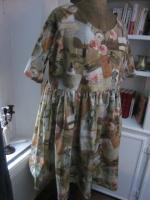 Robe RAYMONDE en coton imprimé ''l'atelier couture'' - manche raglan - longueur genoux - taille unique (3)