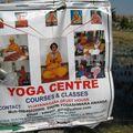 Annonce d'un gourou local pour du yoga et des soins