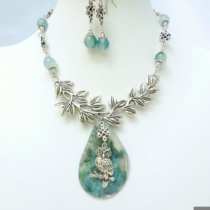 Agate-Pendant-Necklace-and-Earrings-Set