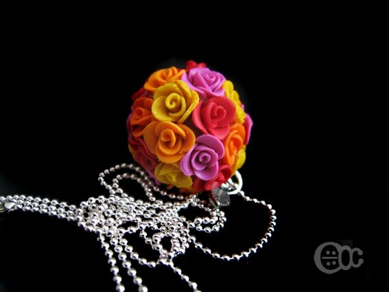 Sautoir boule roses rouge-orange-jaune-rose