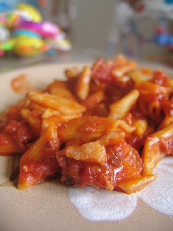 Pâtes tomates carottes lardons