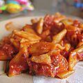 Pâtes aux tomates, carottes et lardons