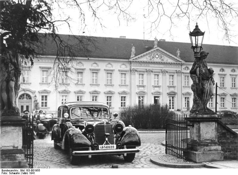 Bundesarchiv_Bild_183-B01955,_Berlin,_Besuch_von_Yosuke_Matsuoka