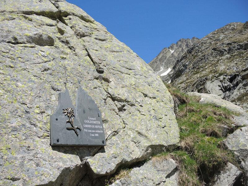 J) Refuge des Oulettes de Gaube, refuge, plaque